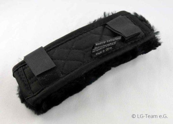 Lammfellschoner Klettverschluss schwarz LG-Zaum