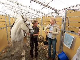 Equitana Stallzelt mit Linda Weritz